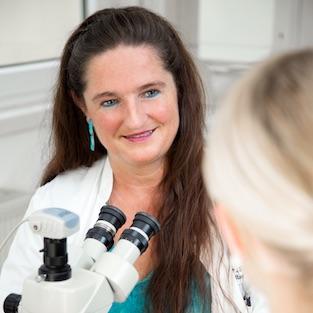 Dr. Susanne Amann-wide2